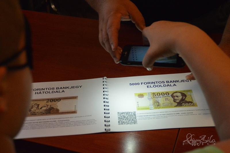 Kép: okostelefon alkalmazással bankjegyfelismerés munkatársunk segítségével